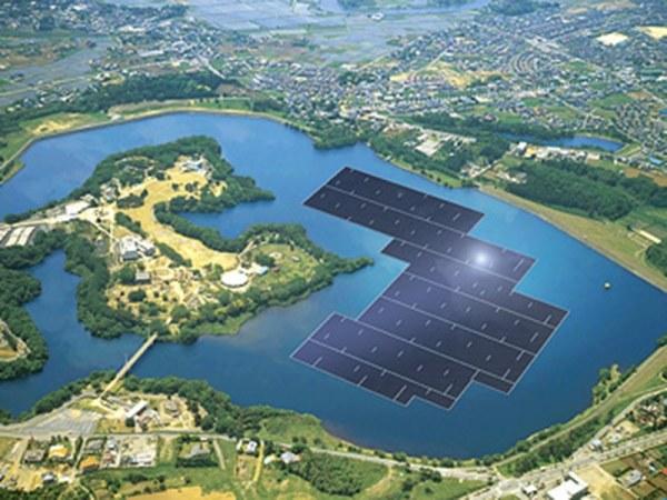 Kyocera buduje gigantyczną pływającą farmę solarną /materiały prasowe