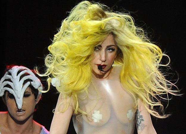 Lady GaGa ponownie przewróciła się na scenie fot. Rick Diamond /Getty Images/Flash Press Media