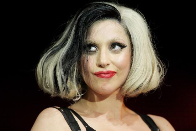 """Lady Gaga zapewne chce dogonić Adele i jej 6 mln sprzedanych egzemplarzy albumu """"21"""" - fot. D. Hogan /Getty Images/Flash Press Media"""