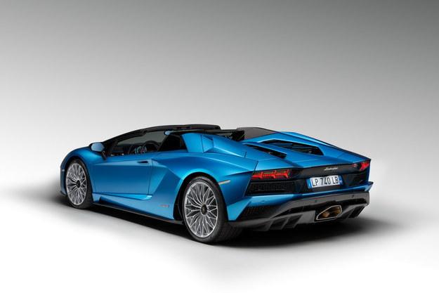 Lamborghini Aventador S Roadster /Lamborghini