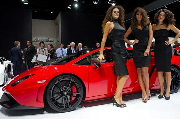 Lamborghini gallardo i hostessy. Raczej nie niemieckiej urody /INTERIA.PL