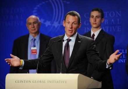 Lance Armstrong nie wie czy pojedzie w TDF /AFP