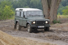 Land Rover Defender (1990-2016)