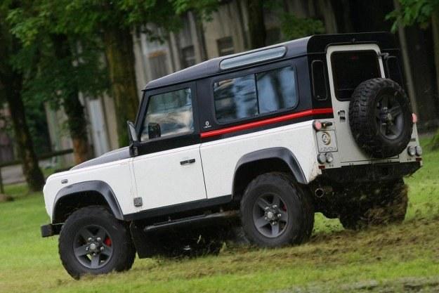 Land rover defender po tuningu /