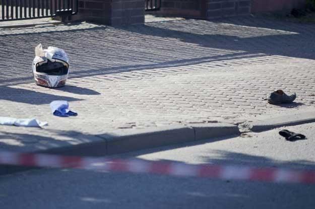 Lanos zderzył się z motocyklistą, który zginął na miejscu. Fot. Piotr  Piwowarski.  Agencja SE /