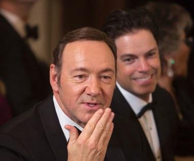 """Łapał aktorów za pośladki, nazywano to """"uściskiem Kevina Spaceya"""""""