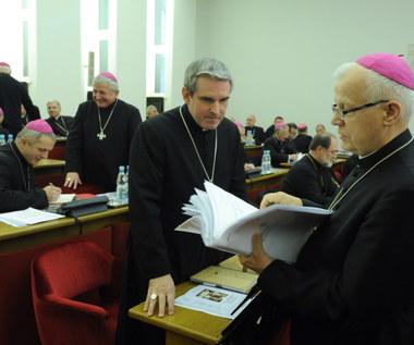 Lapsus i nieporozumienie. Abp Michalik przeprasza za wypowiedź ws. pedofilii