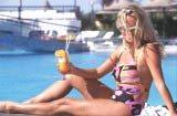 Latem podglądactwo szerzy się szczególnie na plażach i basenach /