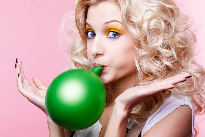 Latem puchniesz jak balon? Możesz temu zapobiec! /123RF/PICSEL