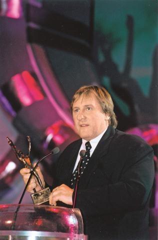 Laureat specjalnej Telekamery Gerard Depardieu nie szczędził jej pochwał:  – Fajna jest! Znajdę dla niej dobre miejsce! – mówił w 2000 roku. /Arch. Bauer