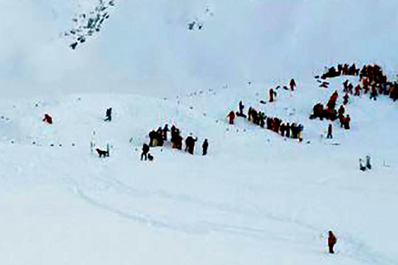 Lawina w Alpach porwała grupę licealistów /AFP