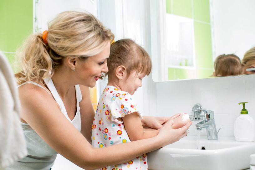 Łazienkowe rytuały mogą być świetną zabawą /123RF/PICSEL