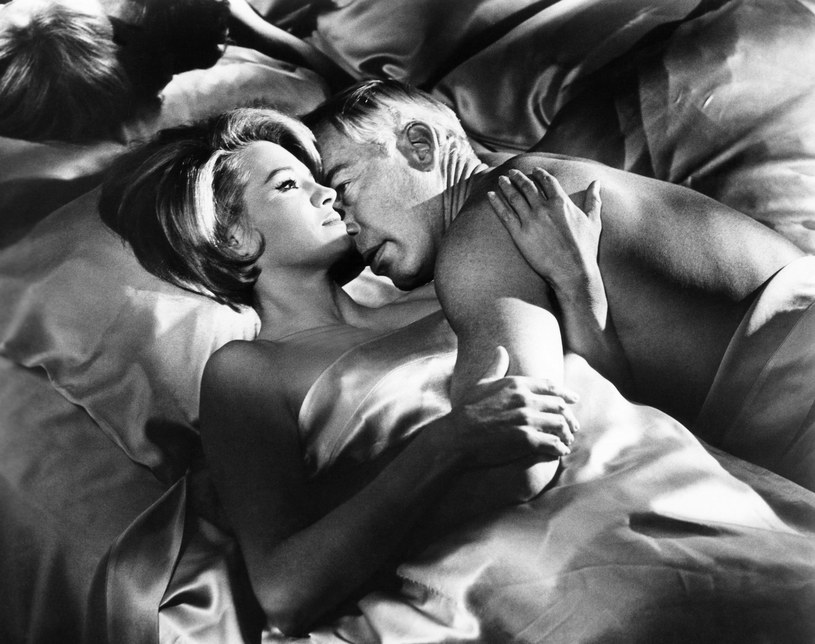 "Lee Marvin i Angie Dickinson w filmie ""Zabójcy"" (1964) /Everett Collection /East News"