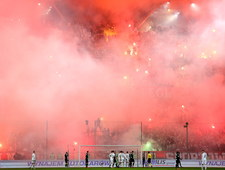 Legia - Górnik 1-0. Skandaliczne zachowanie kibiców gości