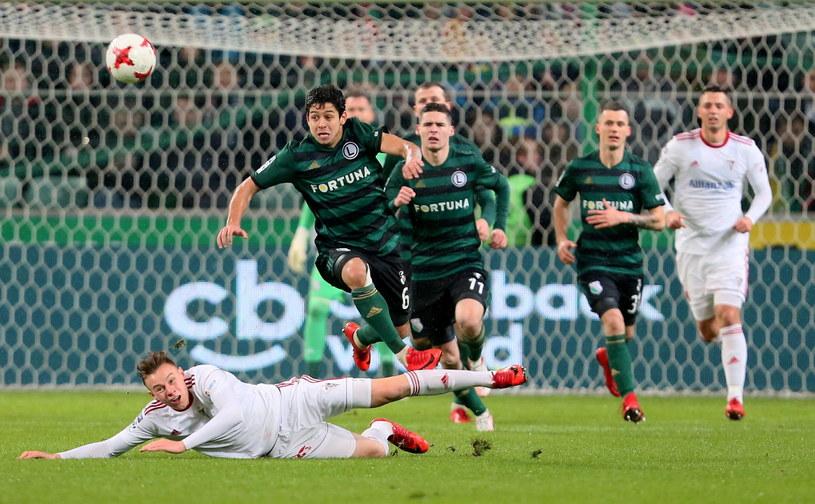 Legia nie przegrała meczu od pięciu kolejek. Teraz jedzie na trudny teren do Kielc /Leszek Szymański /PAP