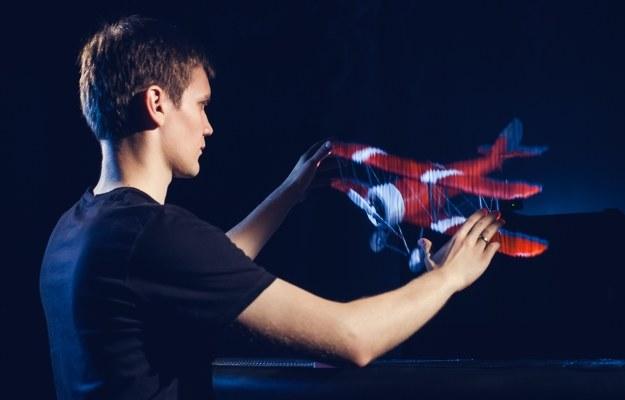 Leia Display System aktywnie reagują na dotyk, co umożliwia wchodzenie w interakcję z zawieszonym w przestrzeni obrazem za pomocą ruchów i gestów /materiały prasowe