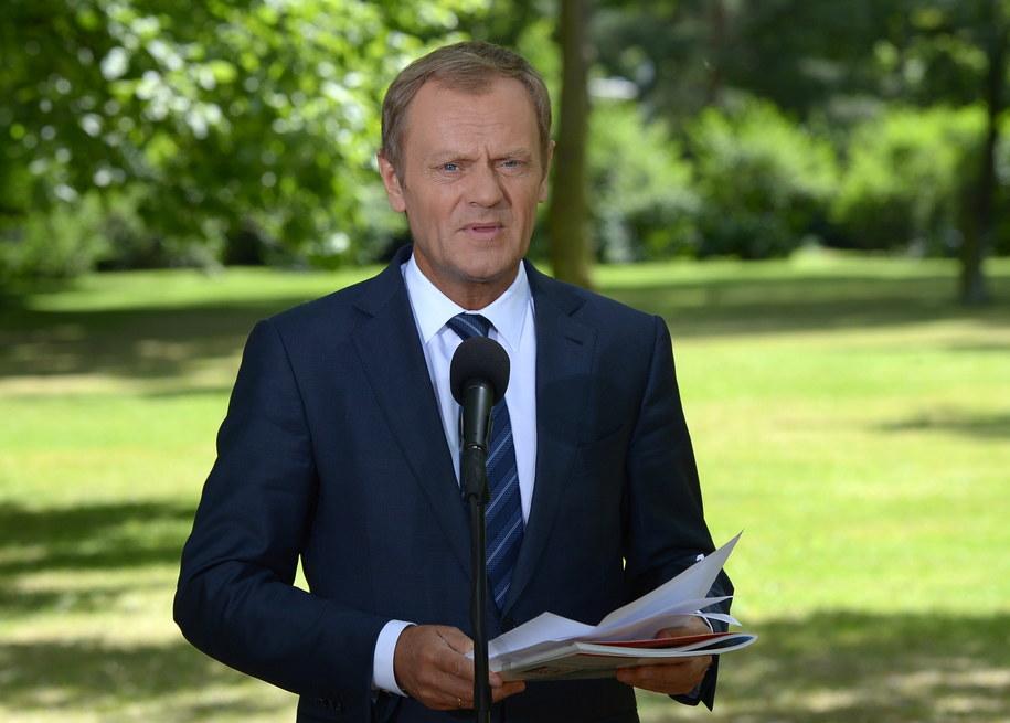"""""""Lekarz musi wykonywać prawo"""" - mówi Donald Tusk /Radek Pietruszka /PAP"""
