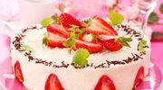 Lekki tort z kremem budyniowym