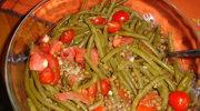 Lekko ciepla salatka: soczewica, fasolka i pomidory