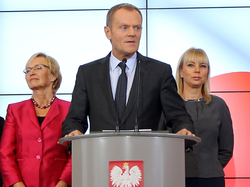 Lena Kolarska-Bobińska, premier Donald Tusk i Elżbieta Bieńkowska /Radek Pietruszka /PAP