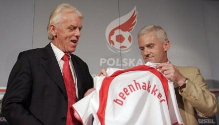 Leo Beenhakker przywiezie swych chłopaków do Krakowa. /AFP
