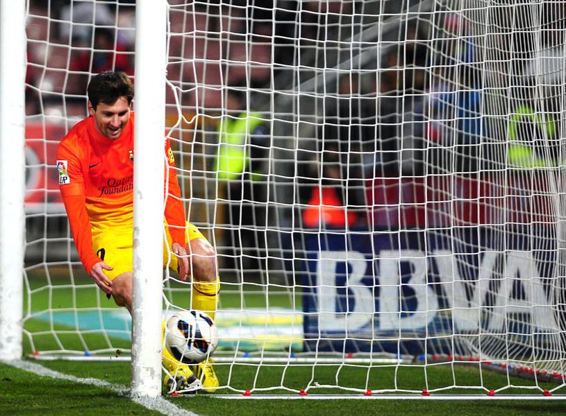 Leo Messi podczas meczu z Granadą /AFP