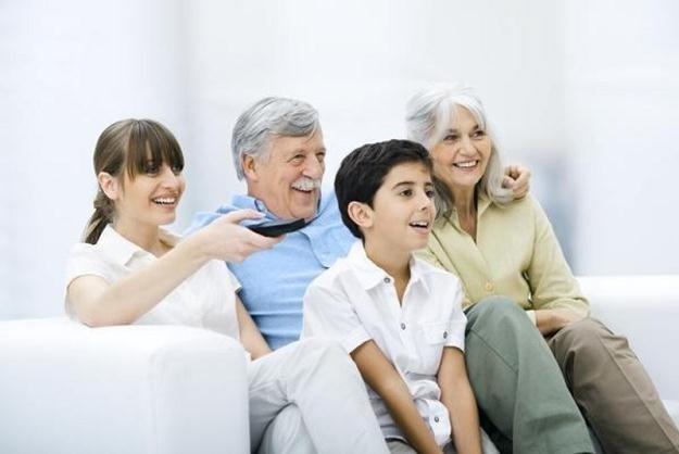 Lepiej mieć dziadków codziennie /Agencja SE/East News
