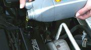 Lepkość oleju to nie wszystko. Co warto wiedzieć o olejach silnikowych?