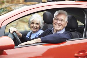 """""""Leśne dziadki"""" niebezpieczni za kierownicą. Ale gdzie jest granica starości?"""
