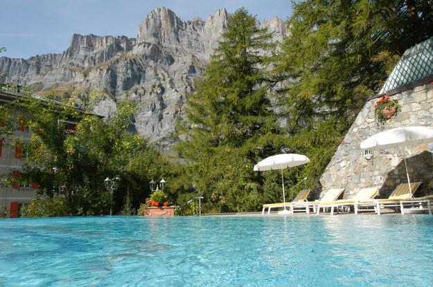 Leukerbad - największe i najstarsze uzdrowisko w Alpach /123/RF PICSEL