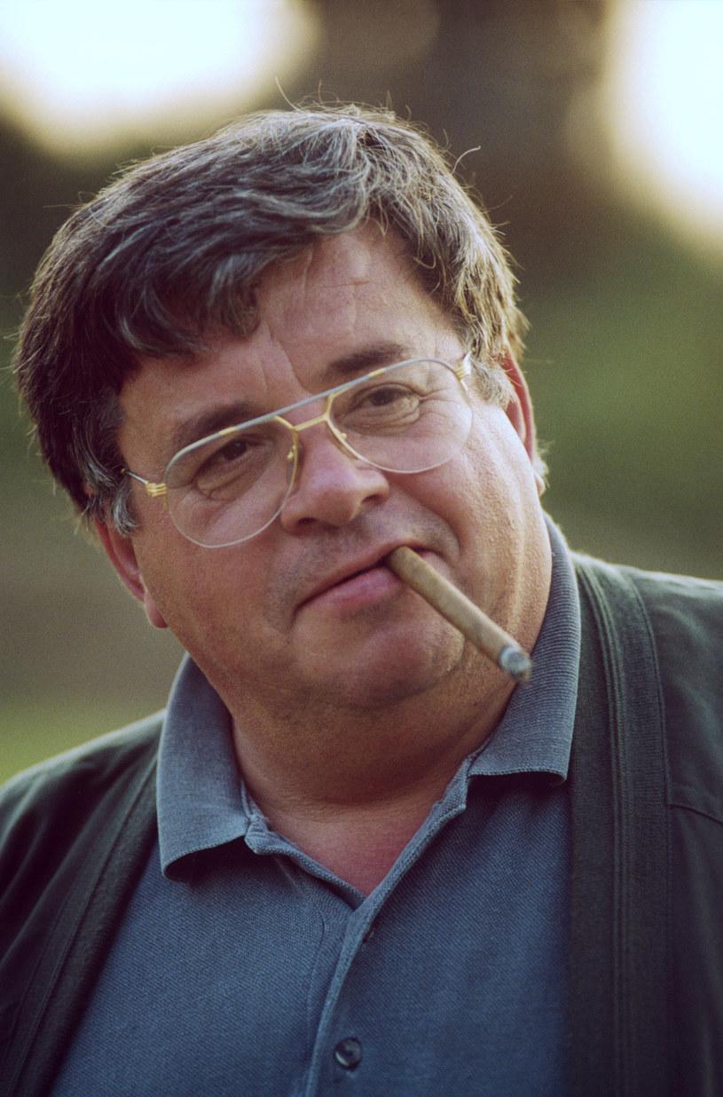 Lew Rywin ze swym nieodłącznym cygarem, 1999 rok /AKPA