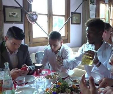 Lewandowski na Oktoberfest: Weź sobie piwko! Wideo