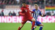 Lewandowski strzela gole nawet zza bramki