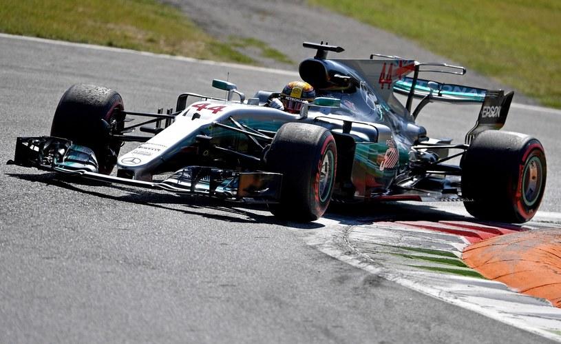 Lewis Hamilton na torze Monza /AFP