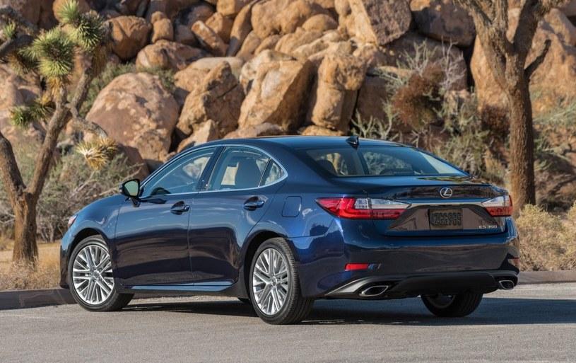 Lexus ES 350 /