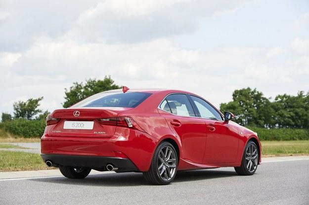 Lexus IS 200t /Lexus