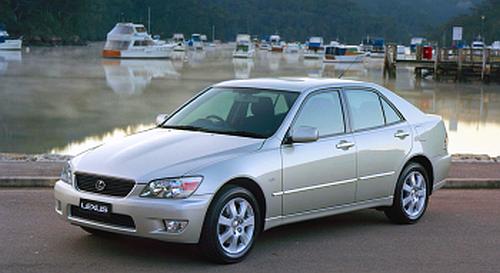 Lexus IS I /Motor