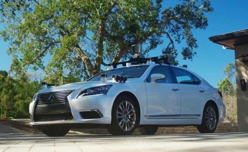 Lexus LS 600hL /