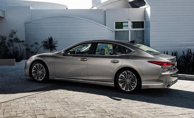 Lexus LS /Lexus