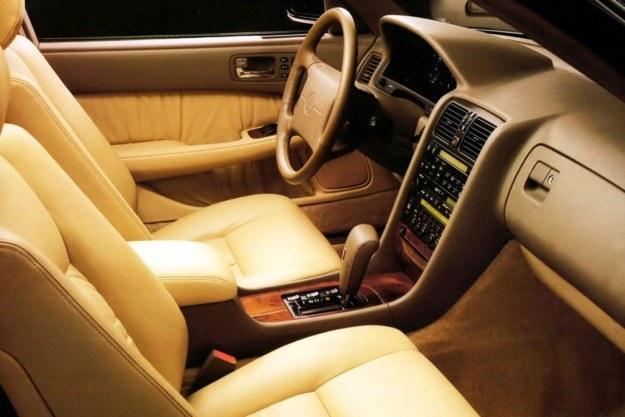 Lexus LS400 /
