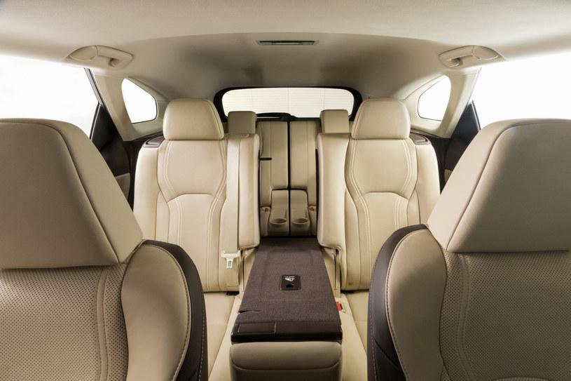 Lexus RX L /