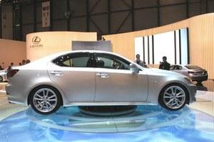 Lexus z Dieslem