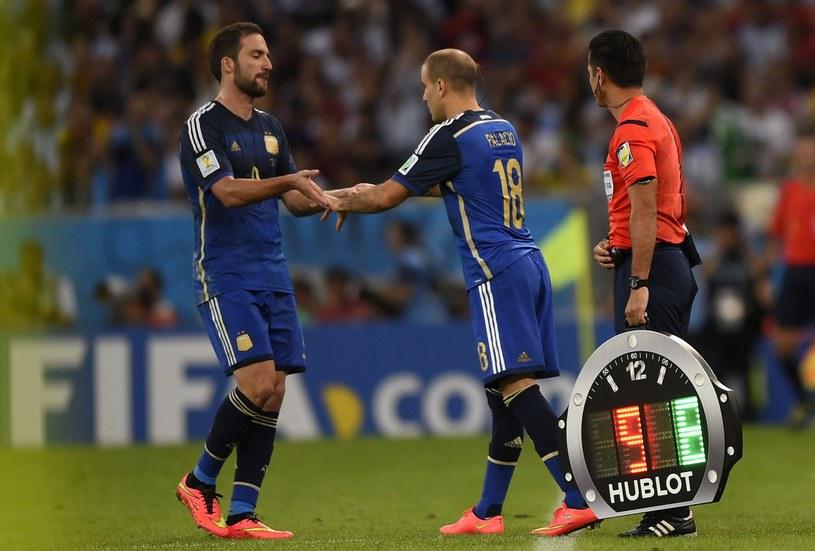 Liczba zmian w trakcie meczu zostanie zwiększona? /AFP