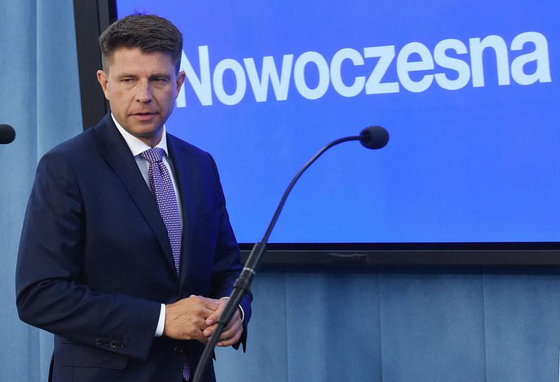 Lider Nowoczesnej Ryszard Petru /Radek Pietruszka /PAP