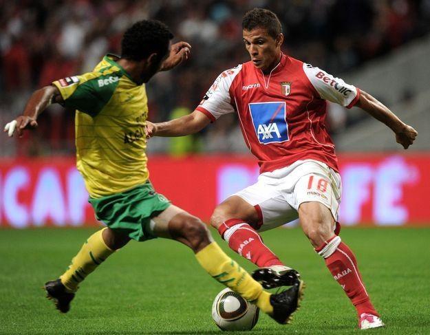 Lima (z prawej) mógł grać w Lechu, ale wybrał Bragę /AFP