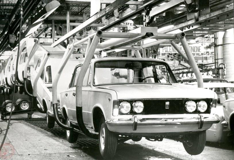 Linia produkcyjna Fiata 125p /Archiwum Akt Nowych
