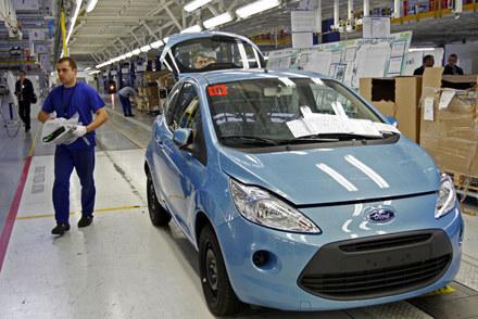 Linia produkcyjna forda ka w fabryce Fiata w Tychach /AFP
