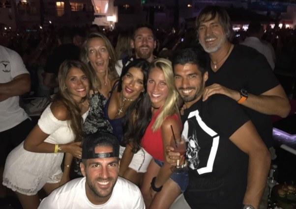Lionel Messi z przyjaciółmi na wakacjach /@luissuarez9 /Instagram