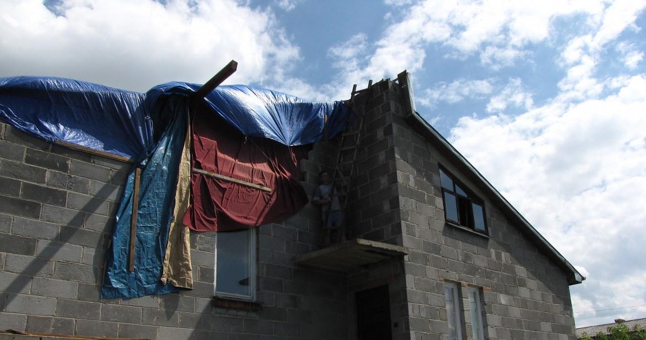 Lipsko po przejściu nawałnicy. Połamane drzewa, zerwane dachy