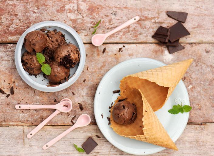 Lody sernikowo - czekoladowe /materiały prasowe /materiały prasowe